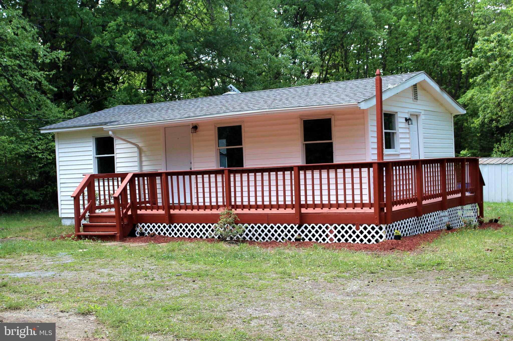 BEAUTIFULL HOUSE REMODELED WITH LOTS OF UPGRADES, 2 BED, 1 FULL BATH WITH NEW  KITCHEN CABINETS, NEW