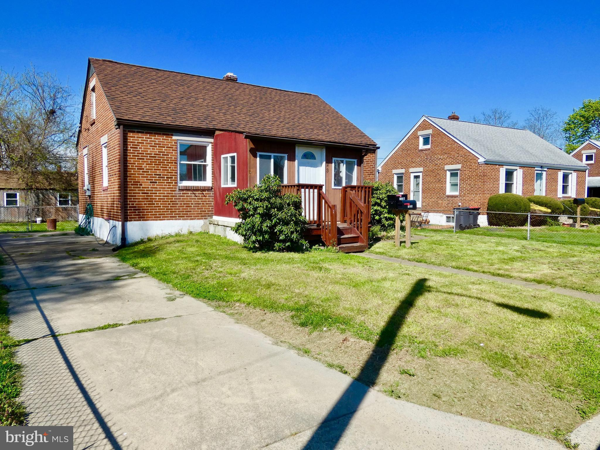 This all brick exterior 3Br/1.5Ba home w/ front & rear additions has been recently updated & is read