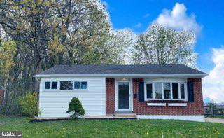 Open House this Saturday 1pm - 3pm - Finally an affordable home that is move in ready in North Wilmi