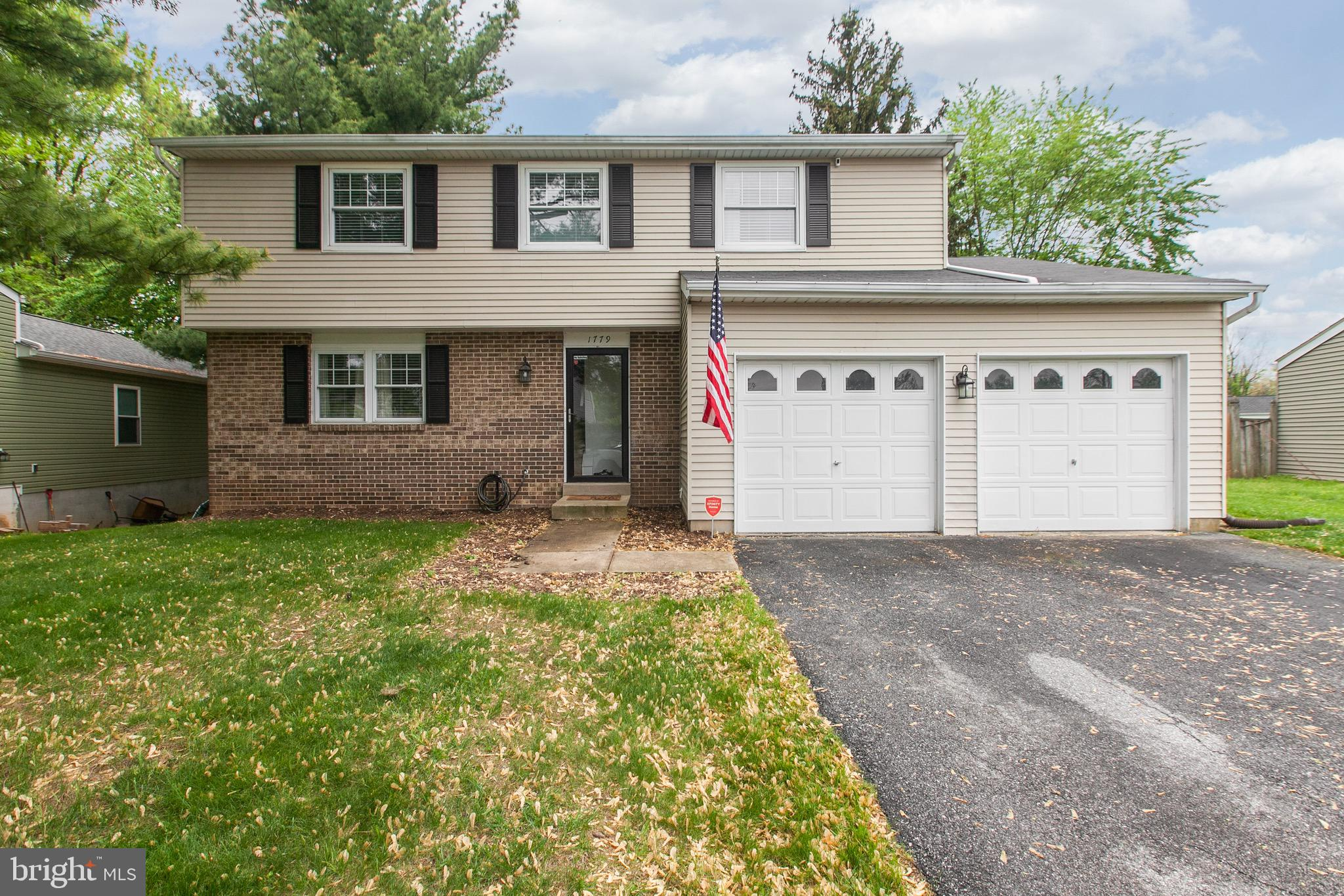 Welcome home, this is the one you've been waiting for.  This bright and airy 4BR/2.5BA home, with a