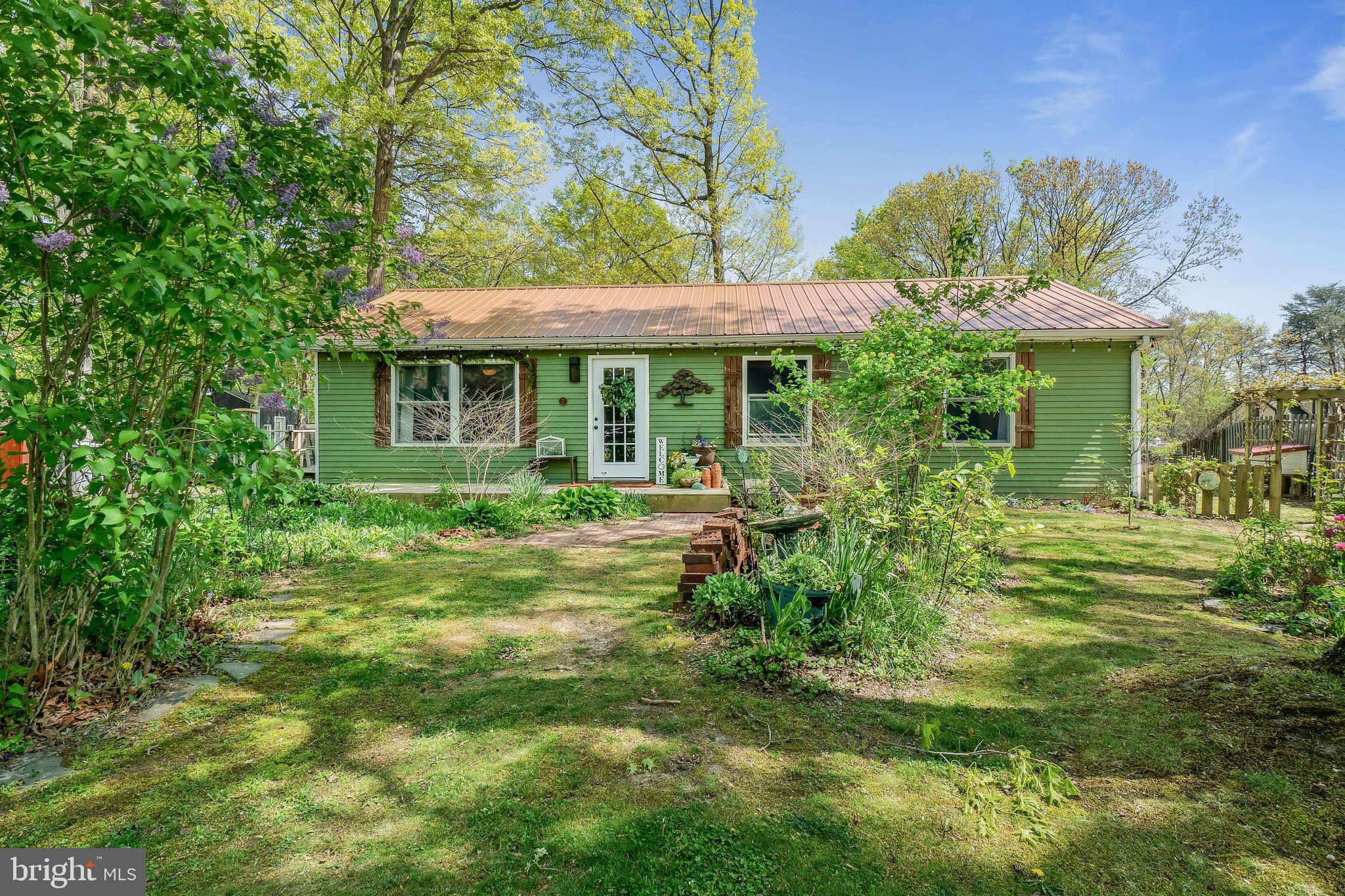 Adorable ranch exploding with character located in the desirable Delaplaine! The upper level feature