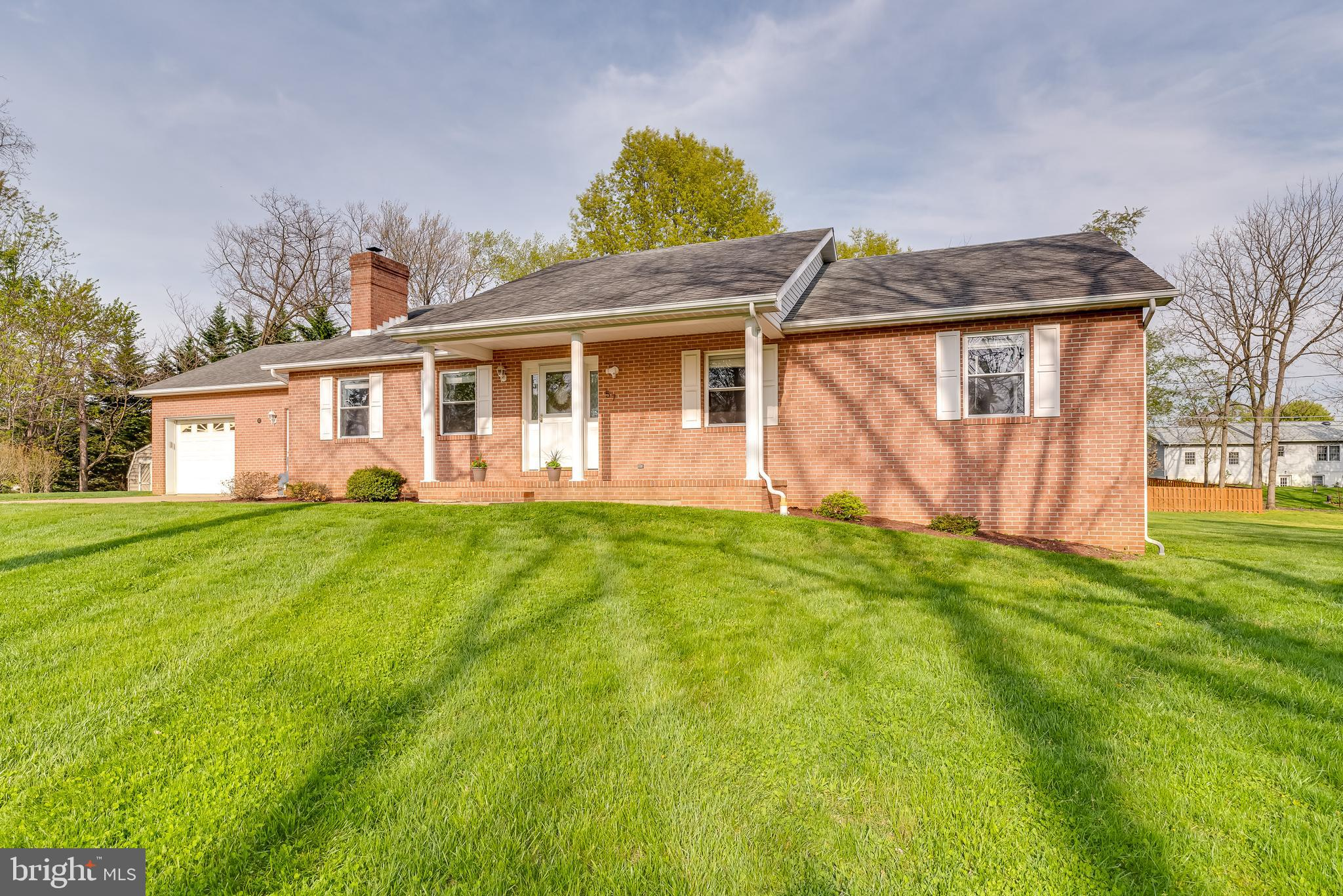 Solid brick ranch set on a quaint and quiet cul de sac in Tuscawilla Hills. This home has undergone
