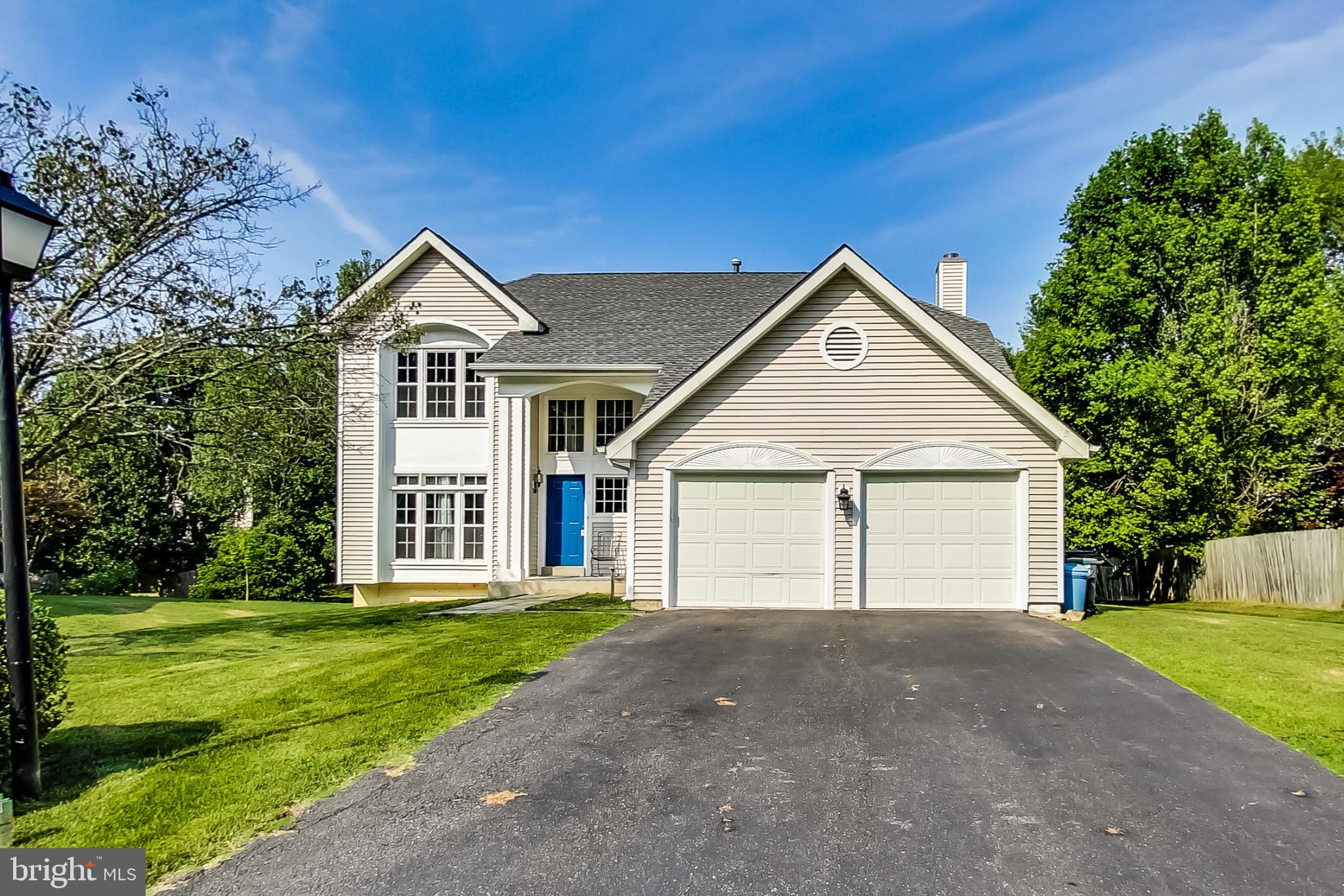 You will enjoy this beautiful home in an amazing location! This Colonial welcomes you into the two s