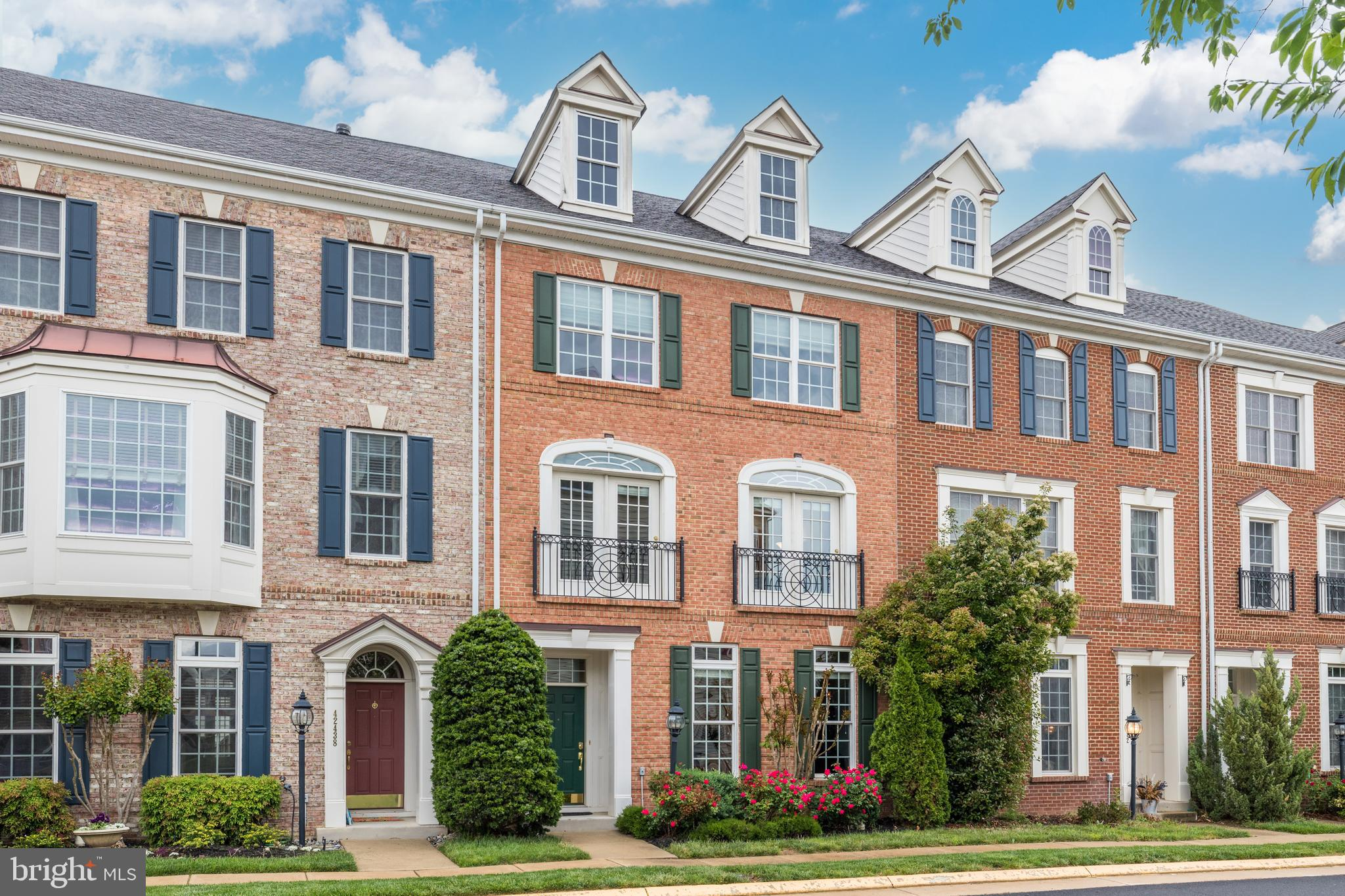 Contemporary Townhome Moments From Brambleton Amenities! Welcome home to this gorgeous 3-level, 3,00