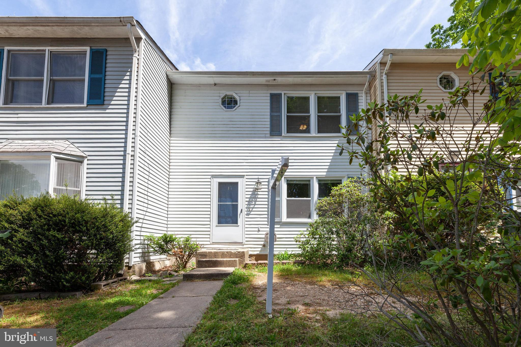 Adorable and affordable, move in ready.  Roomy 3 Bedroom, 2 Full Bath and 1 Half Bath, 2 level townh