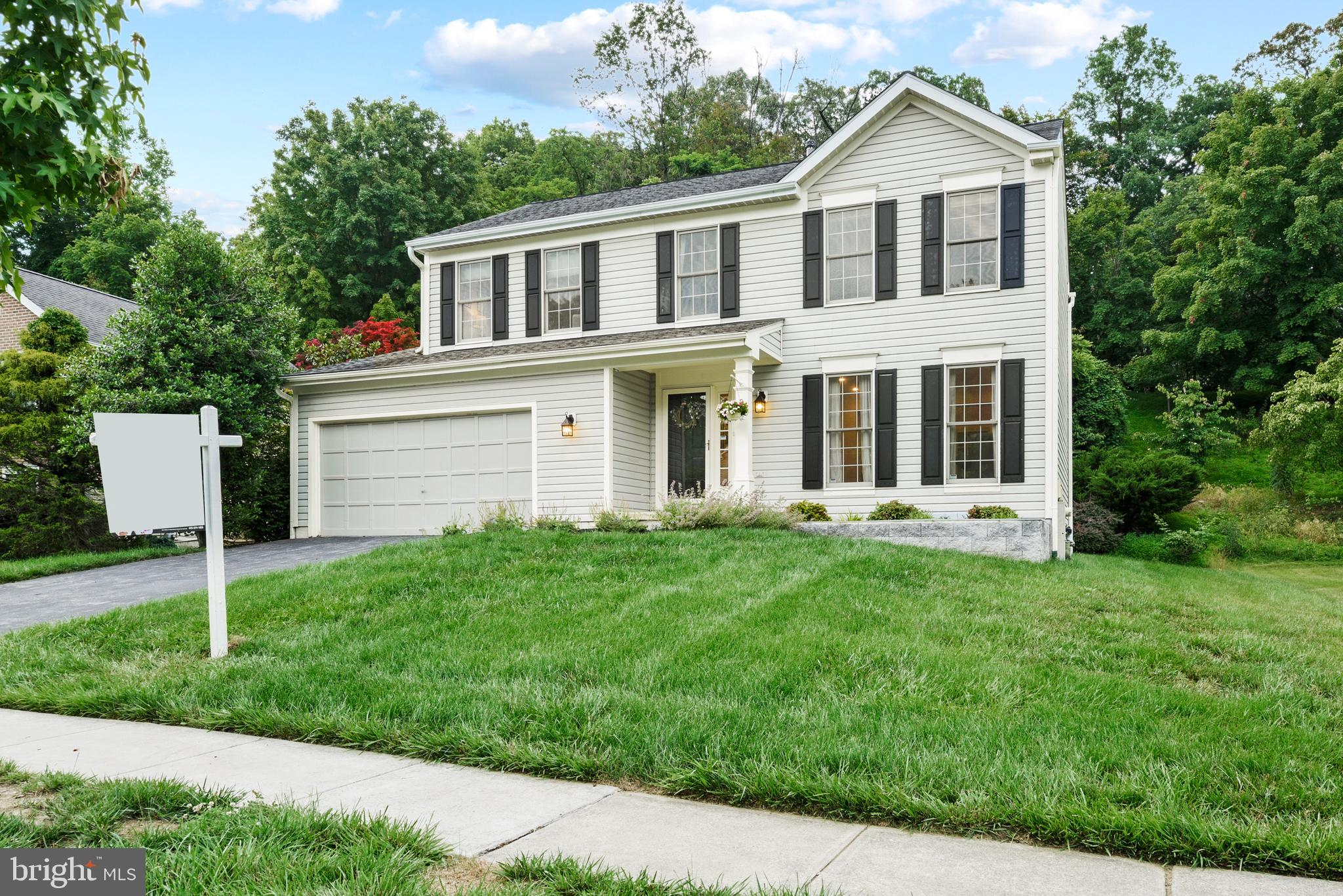 Get ready to be WOW'ed by this beautifully renovated Colonial in sought after Brittany Manor! The im