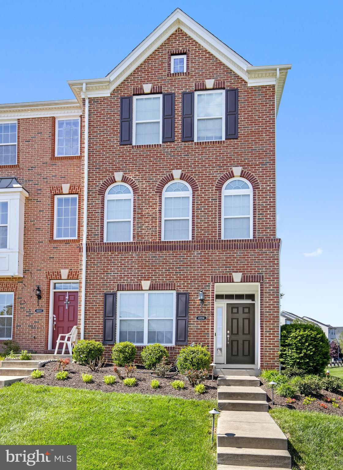 Welcome to this beautiful brick-front end unit featuring 4 bedrooms 3.5 baths located in Loudoun Val