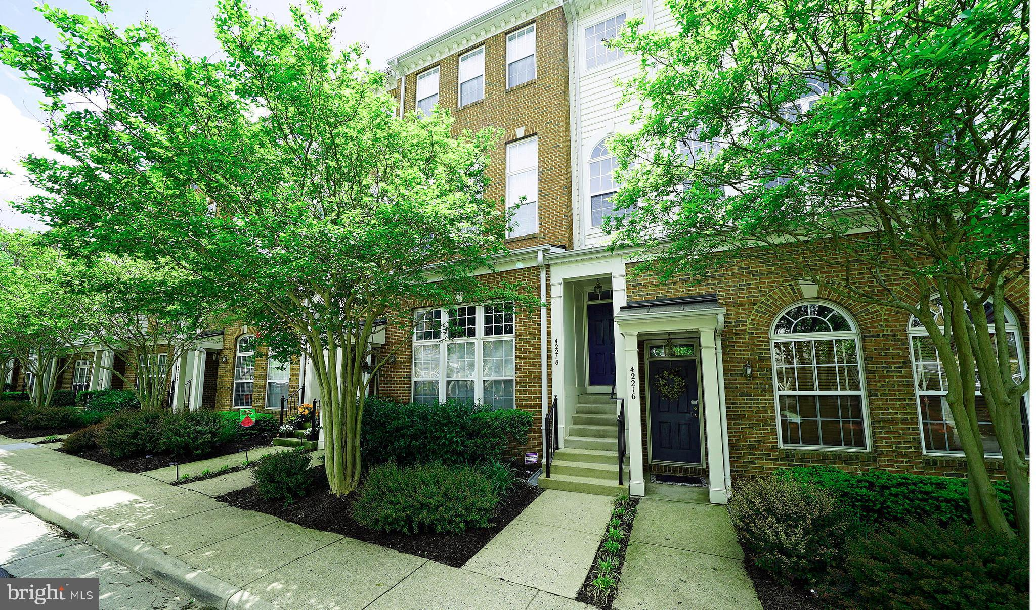 MOVE IN READY! Open and bright Arlington model.  Largest model in Amber Spring.  3 bedrooms 2.5 bath