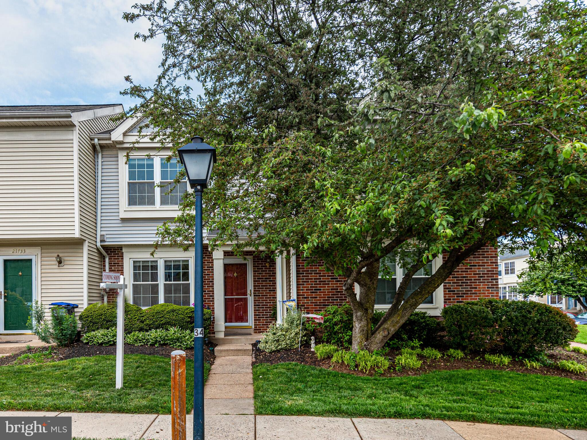Don't miss this opportunity to own this meticulously maintained two-level condo in Rolling Ridge!