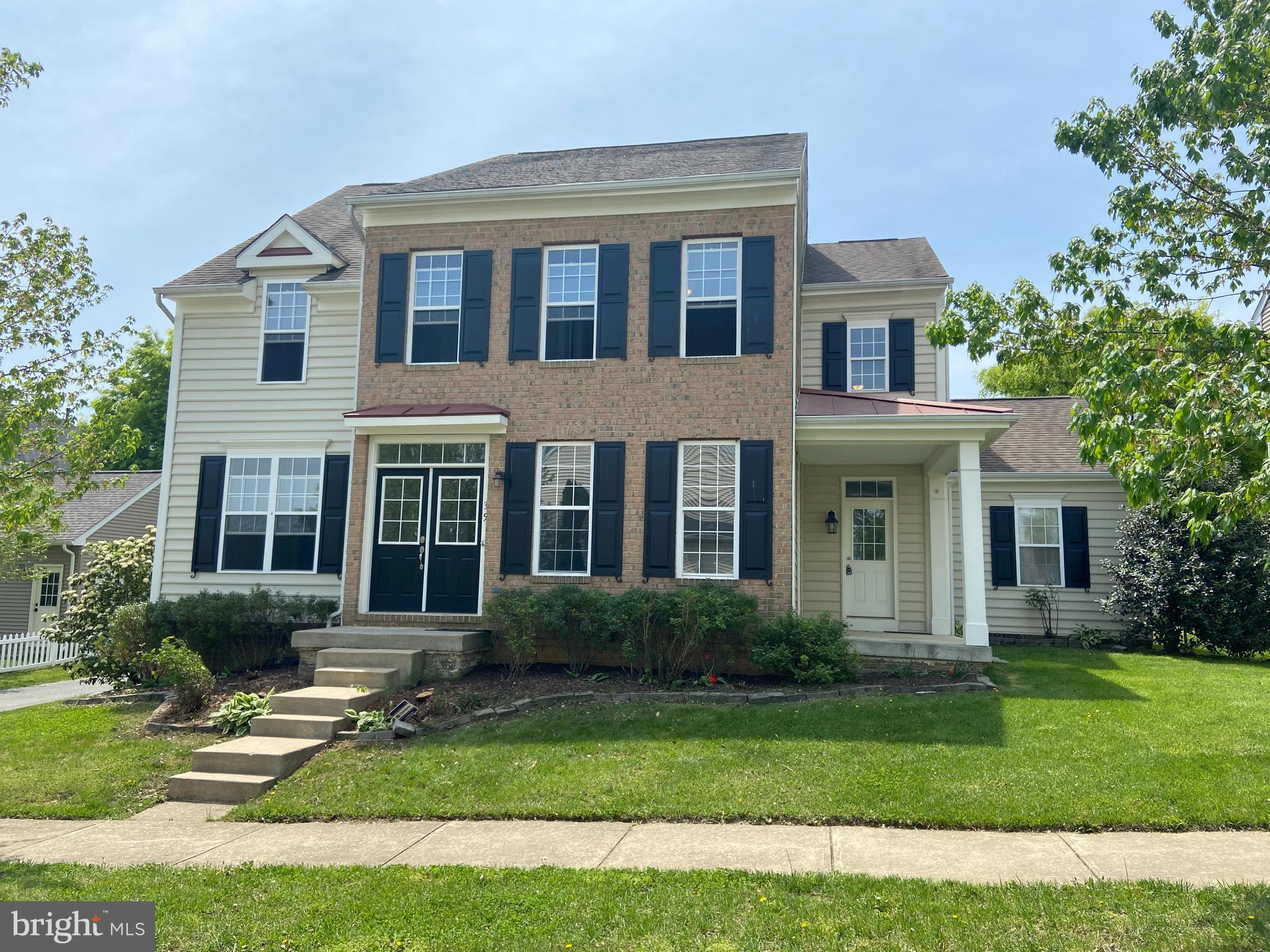 Absolutely Gorgeous 5 Bedroom 3.5 Bath Colonial in very desirable Huntfield Subdivision in Charles T