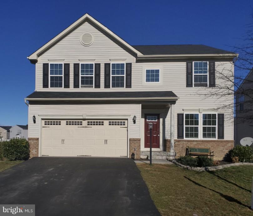 Rare opportunity in Snowden Bridge to own a home that backs to the walking trail and green space.  E
