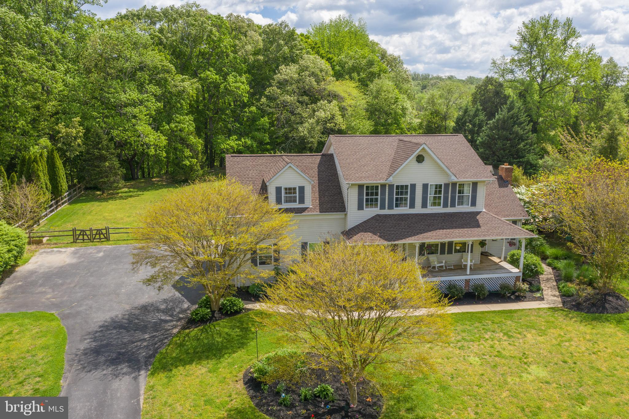 ***OPEN HOUSE Saturday, May 8 from 10 AM- 1 PM AND Sunday, May 9 from 11 AM- 1 PM. Only minutes from