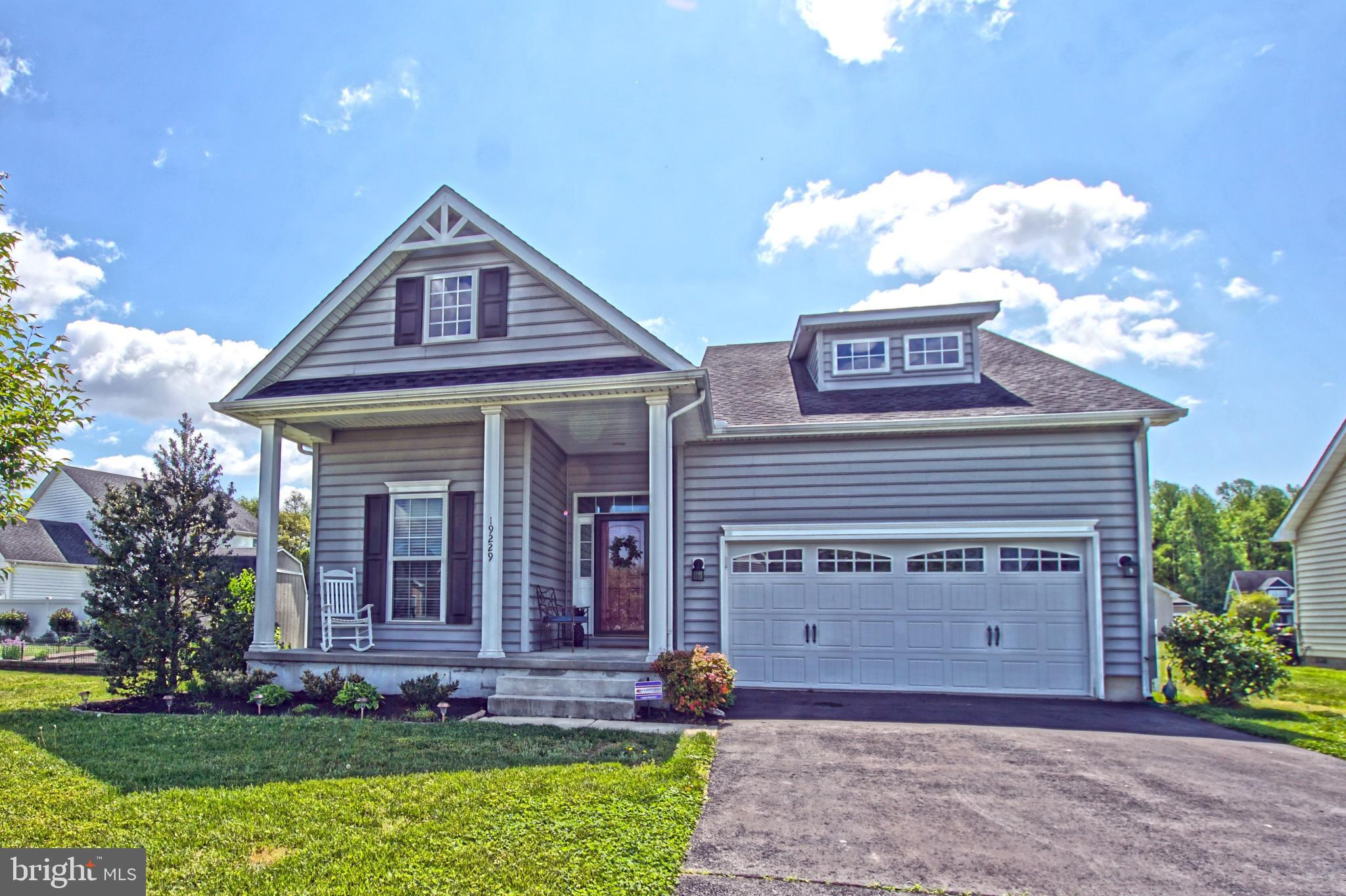 MOVE RIGHT IN! Don't miss this picture perfect, move-in ready, 3 bedroom, 2 bath home. This home off
