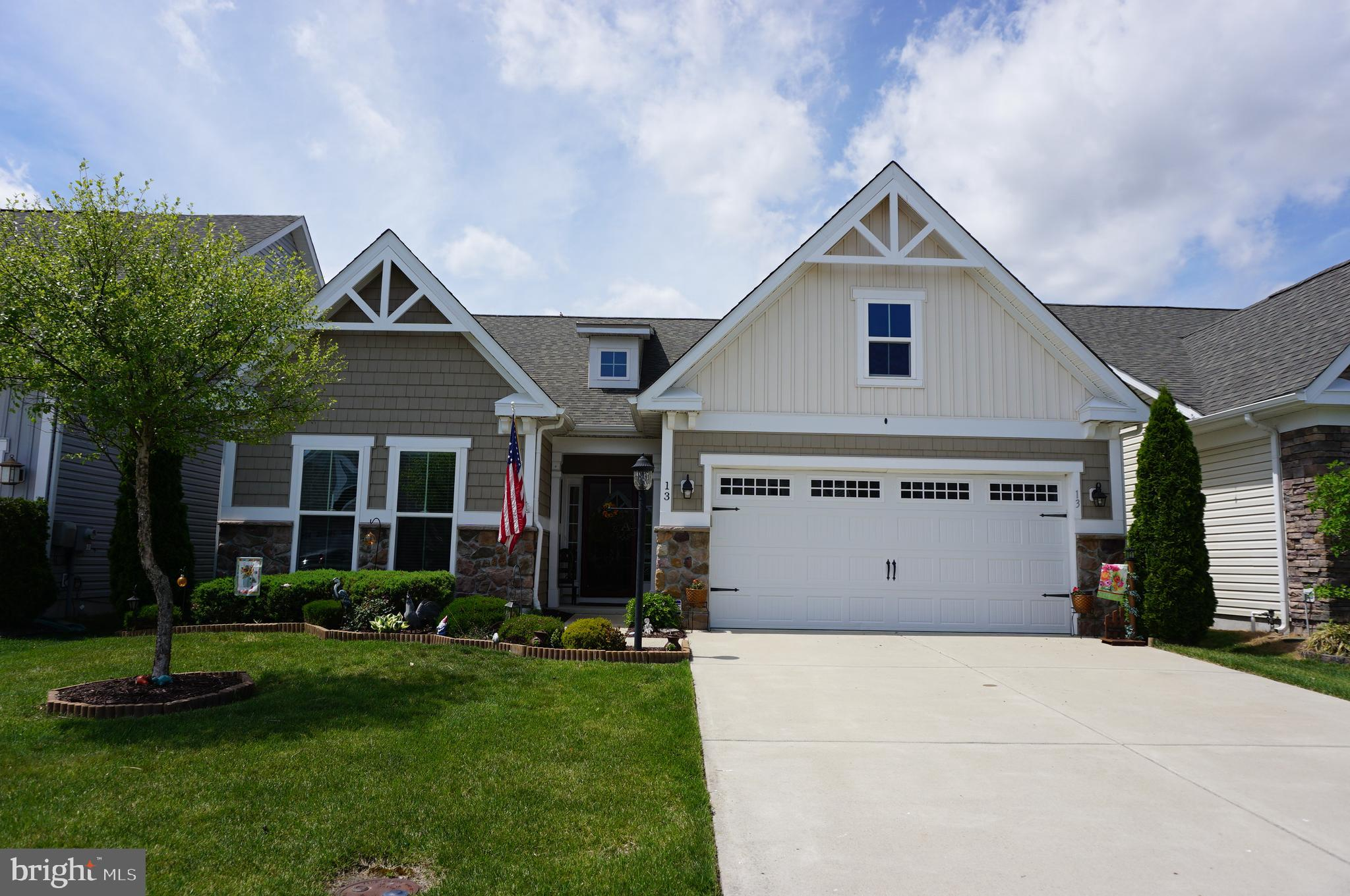 Many beautiful finishes in this wonderful loved home.   Tray ceilings will welcome you into this  ho