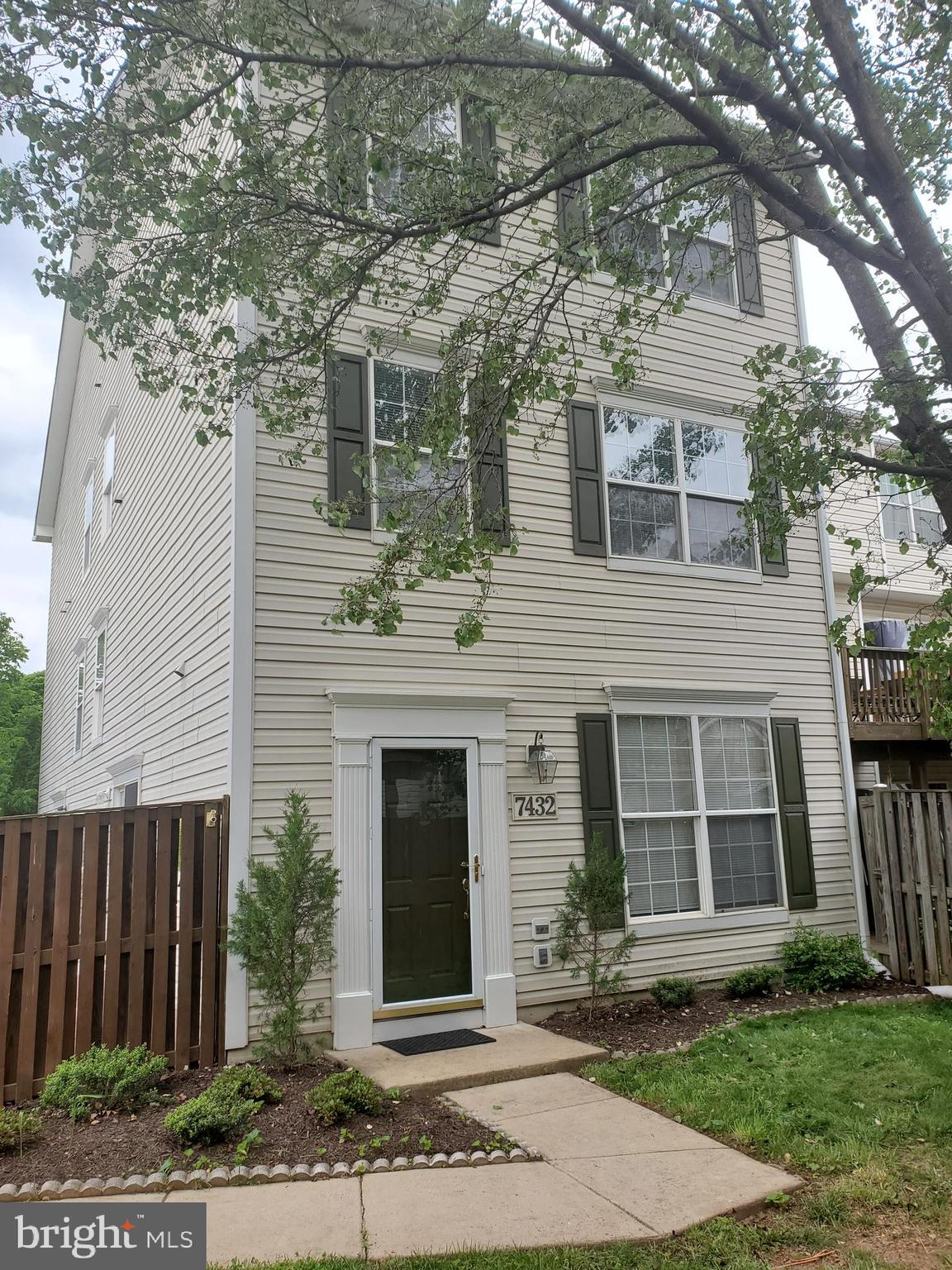 Great location near shopping, public transportation and access to Rt 66. Spacious 3 bedroom, 2 1/2 b