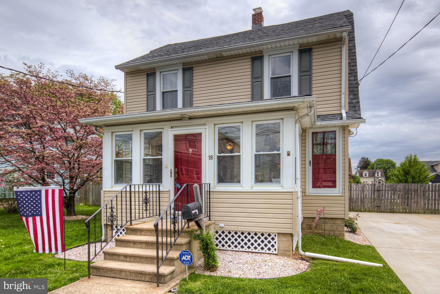 Just what you have been searching for, a charming 3 bedroom 2.5 bath home in the quiet community of
