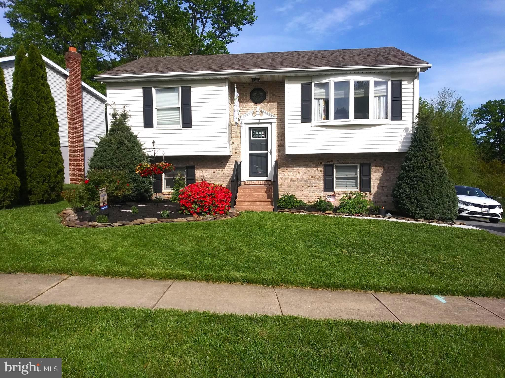 Welcome to this is a move in ready home on a well taken care of street. This lovely landscaped  home