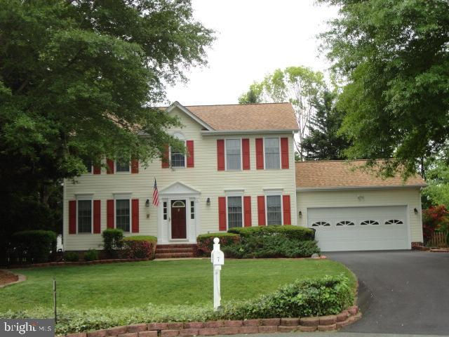 Absolutely No showing prior to 11 a.m. Showings 11 to 7 only! Come home to this beautiful 2 story co