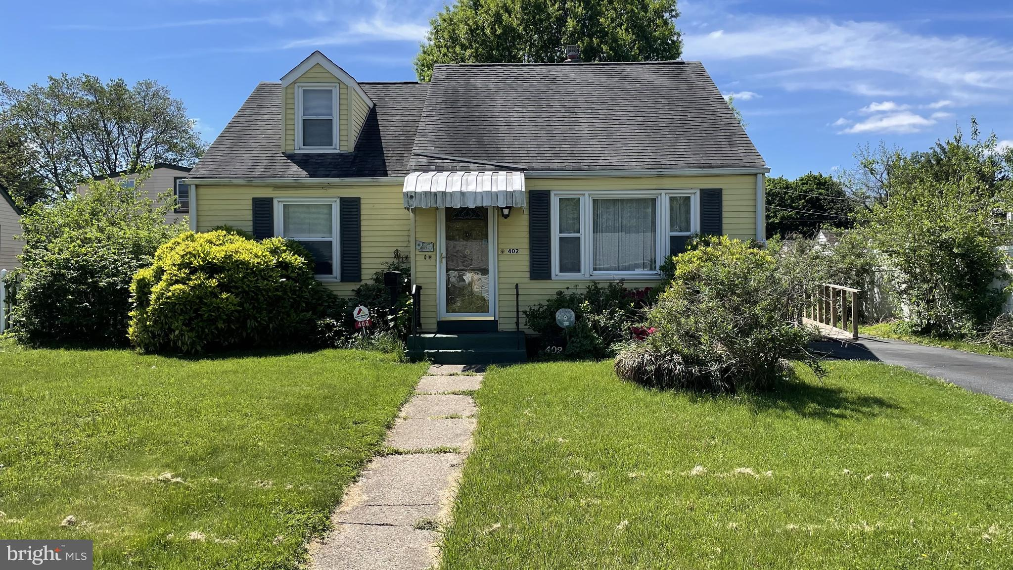 Large 3 bedroom 2 full bath cape cod. The home has hardwood floors, crown molding, central air, gas