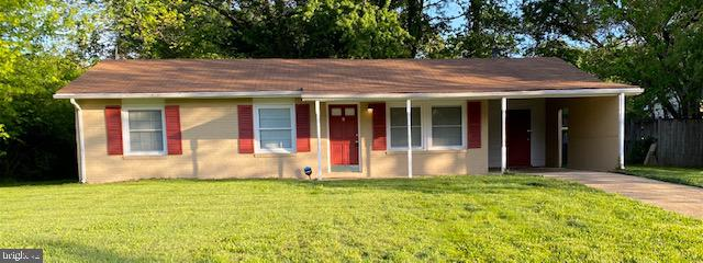 Lovely 3 bedroom 1 bath renovated home.  Features include recessed lights, gourmet kitchen, beautifu