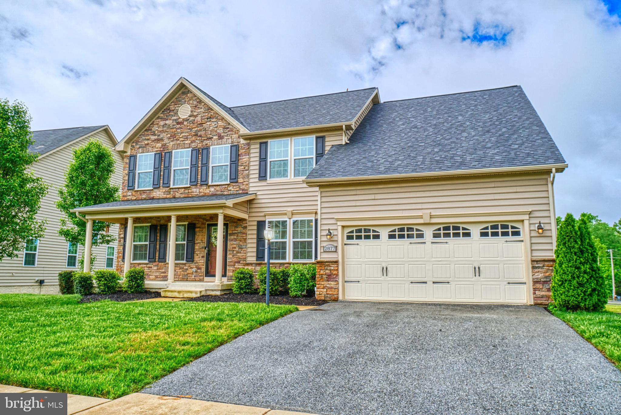 Welcome to 2877 Sweetbay! A well kept 2014 Ryan home in sought after Autumn Hills.  Enjoy 5 bedrooms