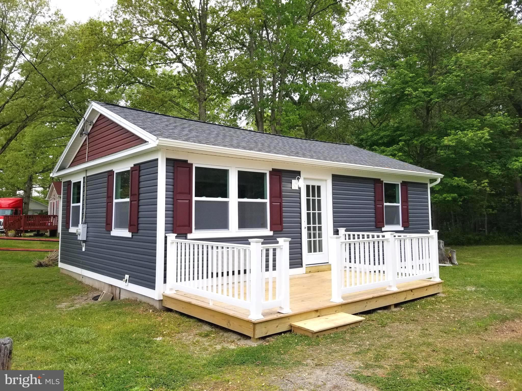 This cute cottage is located just 16 miles from both downtown Rehoboth Beach and Lewes Beach attract