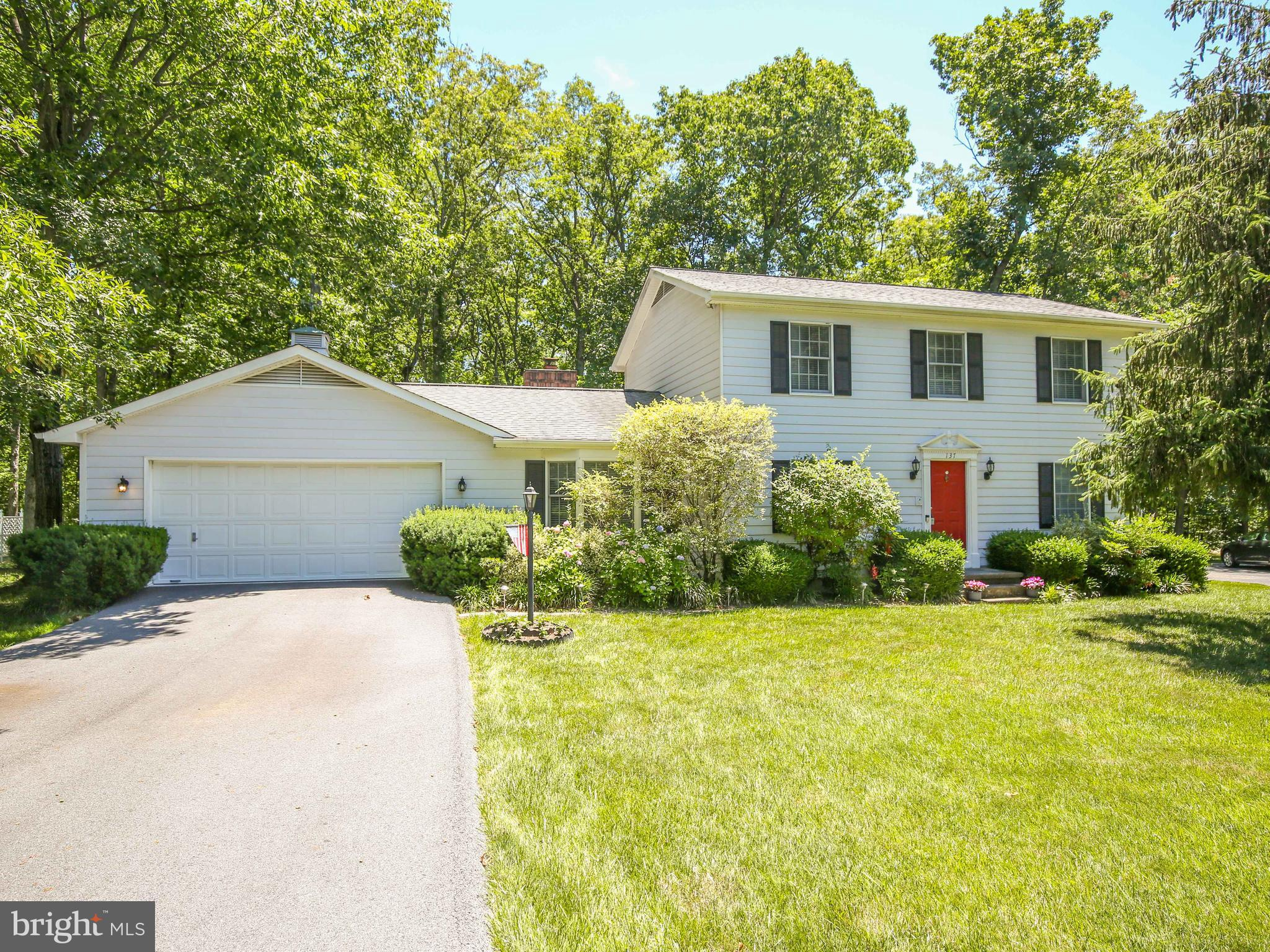Well maintained 3 Bedroom 2.5 Bath Two-Story located in a Cul-de-sac and Backs to Trees!  High Speed