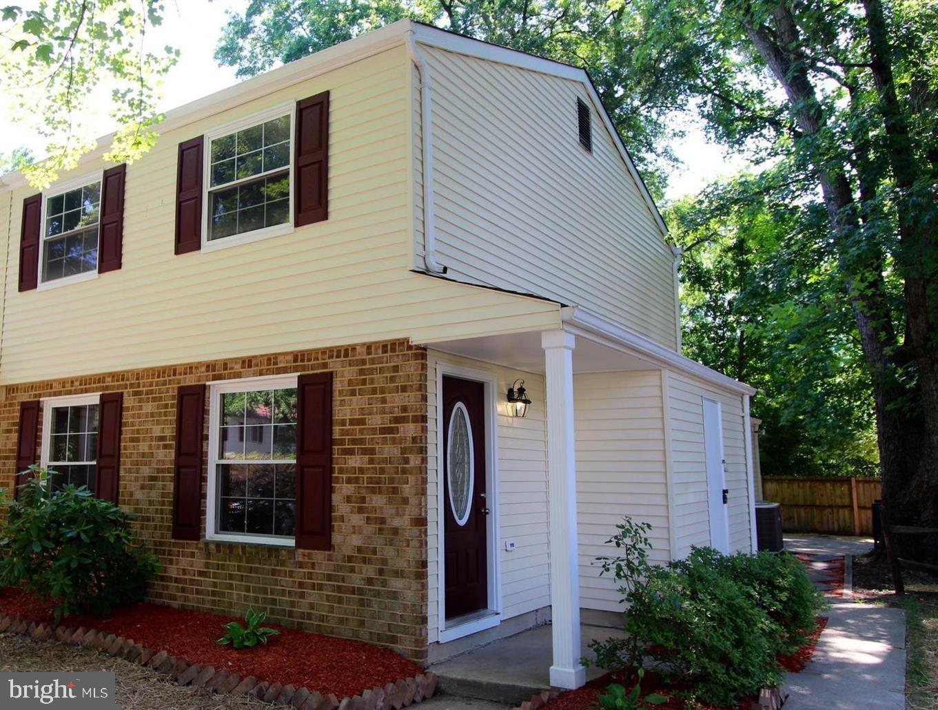 Nicely updated home with custom tile kitchen backsplash, Granite countertops,  SS Appliances, update