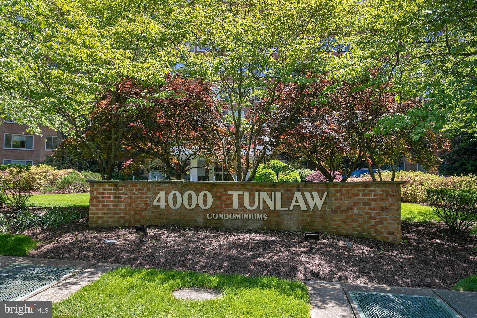 Nestled within 4000 Tunlaw is this treetop 1 bedroom/1 bathroom oasis. This spacious condo with ampl
