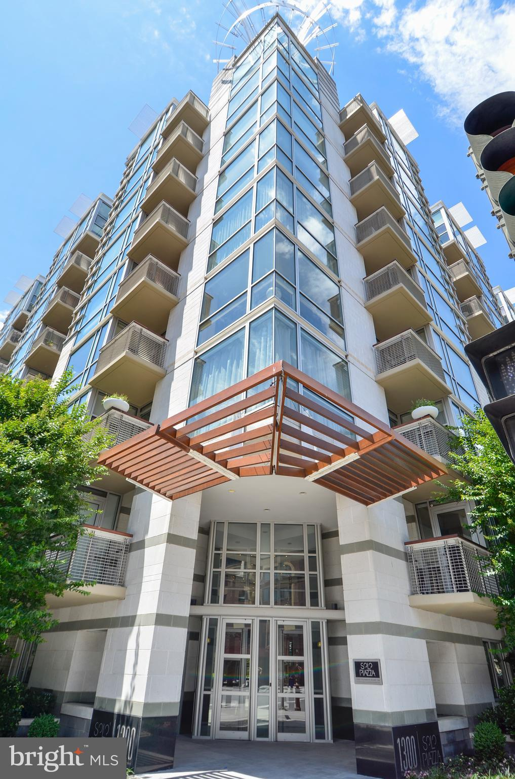 Welcome to Solo Piazza! A highly desirable blend of prime Logan Circle location, modern design, and