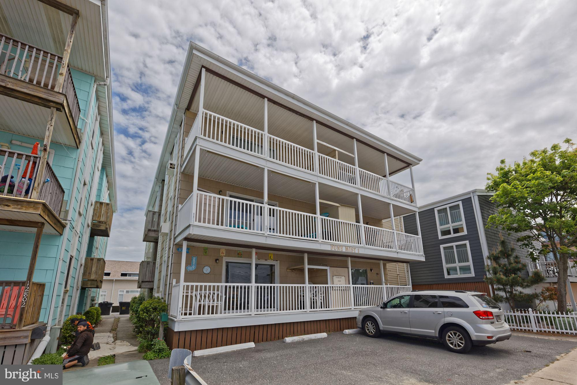 Turnkey ocean-block perfection! Great weekend getaway, or rental, or both! This bright and neat 3 be