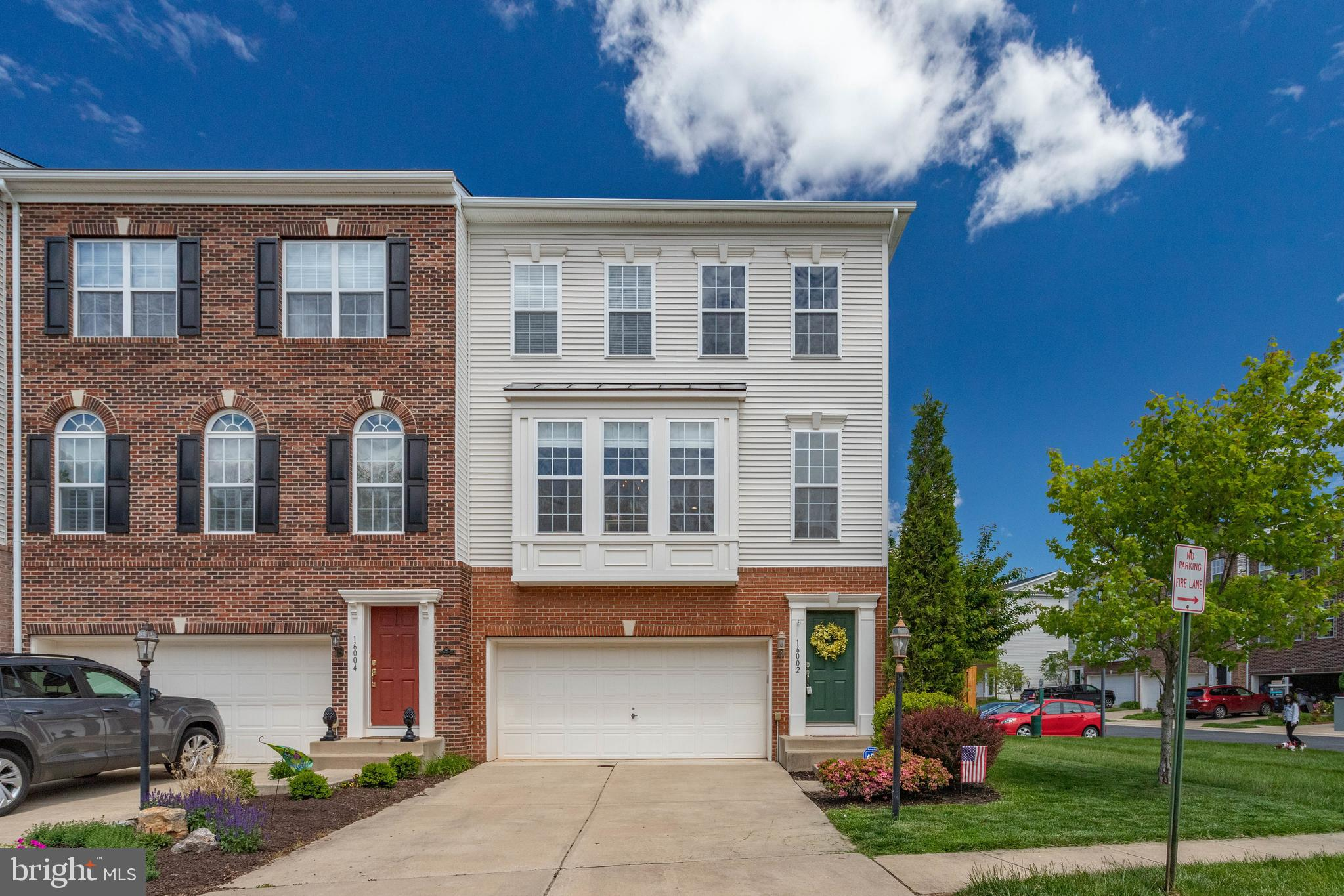 This wonderful end unit townhome will exceed all of your expectations! Sought after South Market, th