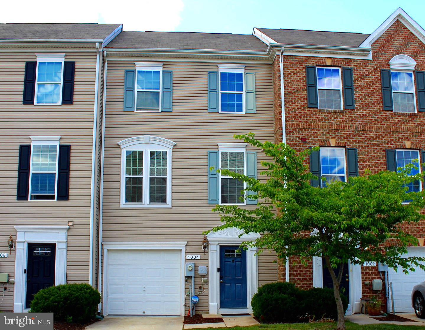 Come see this Spacious (2100+ sq ft) 3 Level Ryan Townhome Built in 2012,  featuring a 1 car garage,