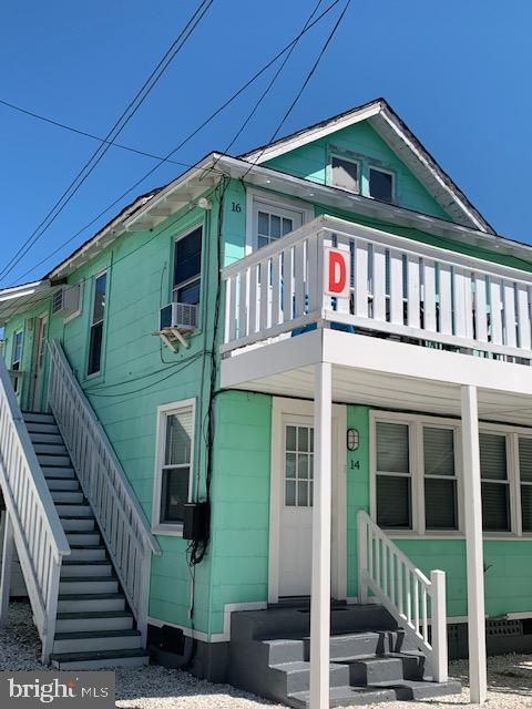 Adorable, Affordable and Available! Check out this one bedroom condo located near the Boardwalk and