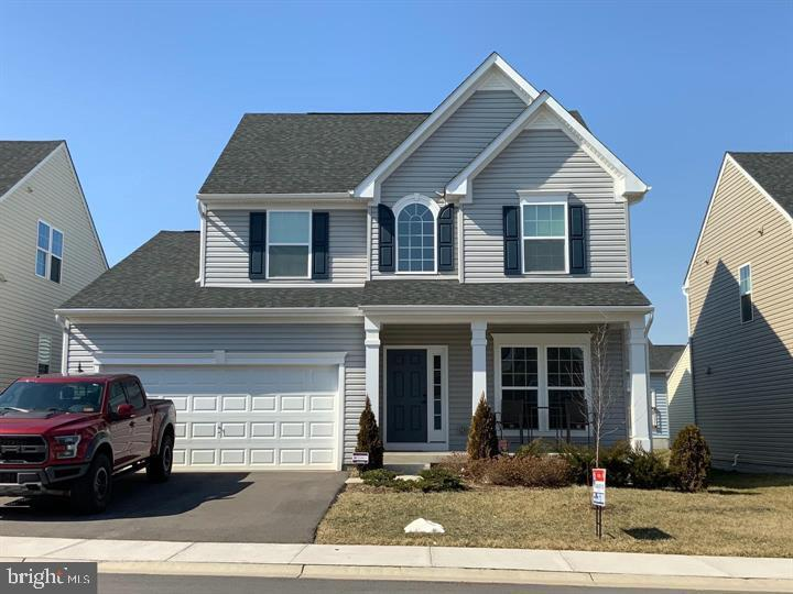 Like New 4 BR 3.5 Bath Colonial in Potomac Station. Main level has large kitchen w/ Andover Nutmeg C