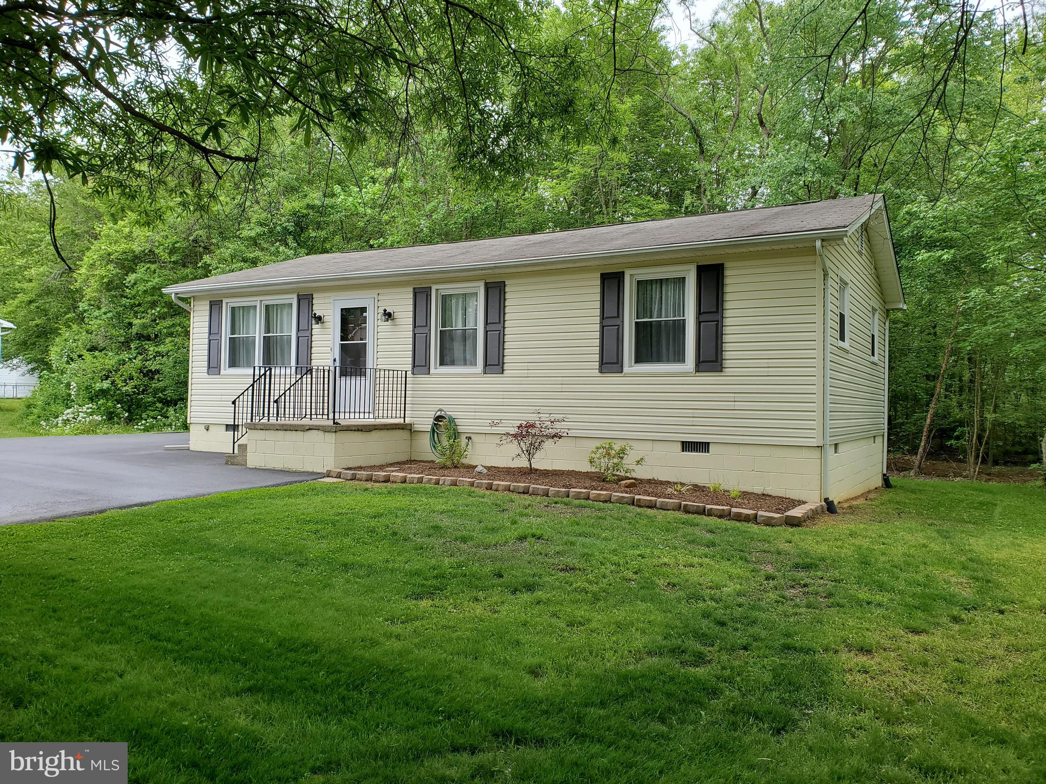 $5,000.00 IN CLOSING HELP !!  This well maintained 3 bedroom 1 full bath home  sits on a 1/4 acre lo