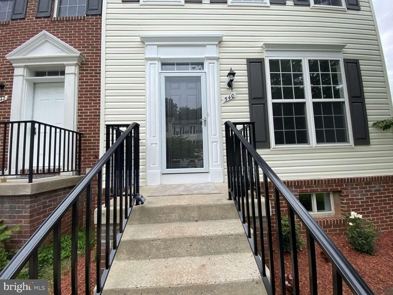 Newly completely rebuilt end unit 3 level townhouse at the overlook community of Frederick, MD. A pe