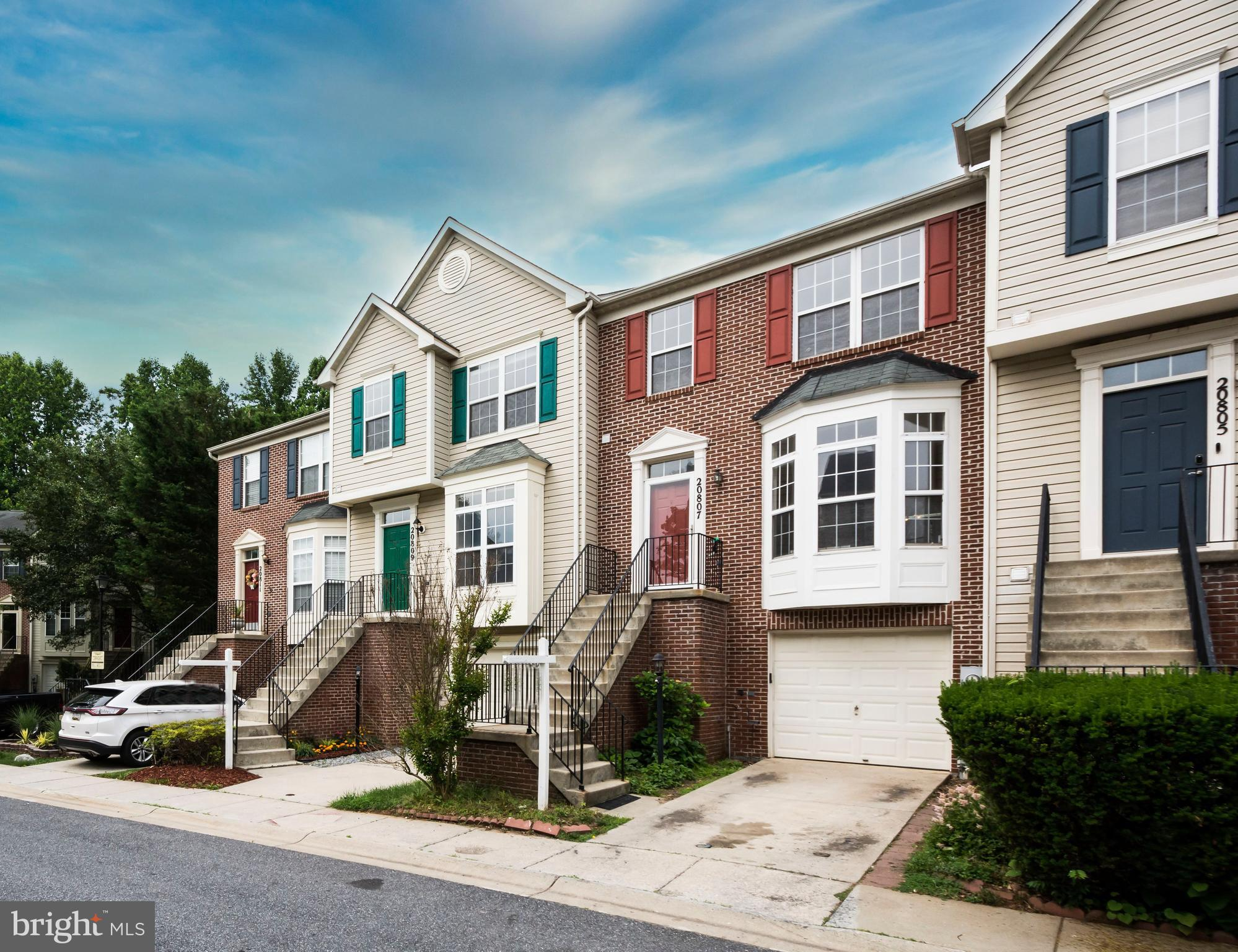 Short sale with immediate Pre-occupancy available, MUST qualify to purchase for pre-occupancy to be