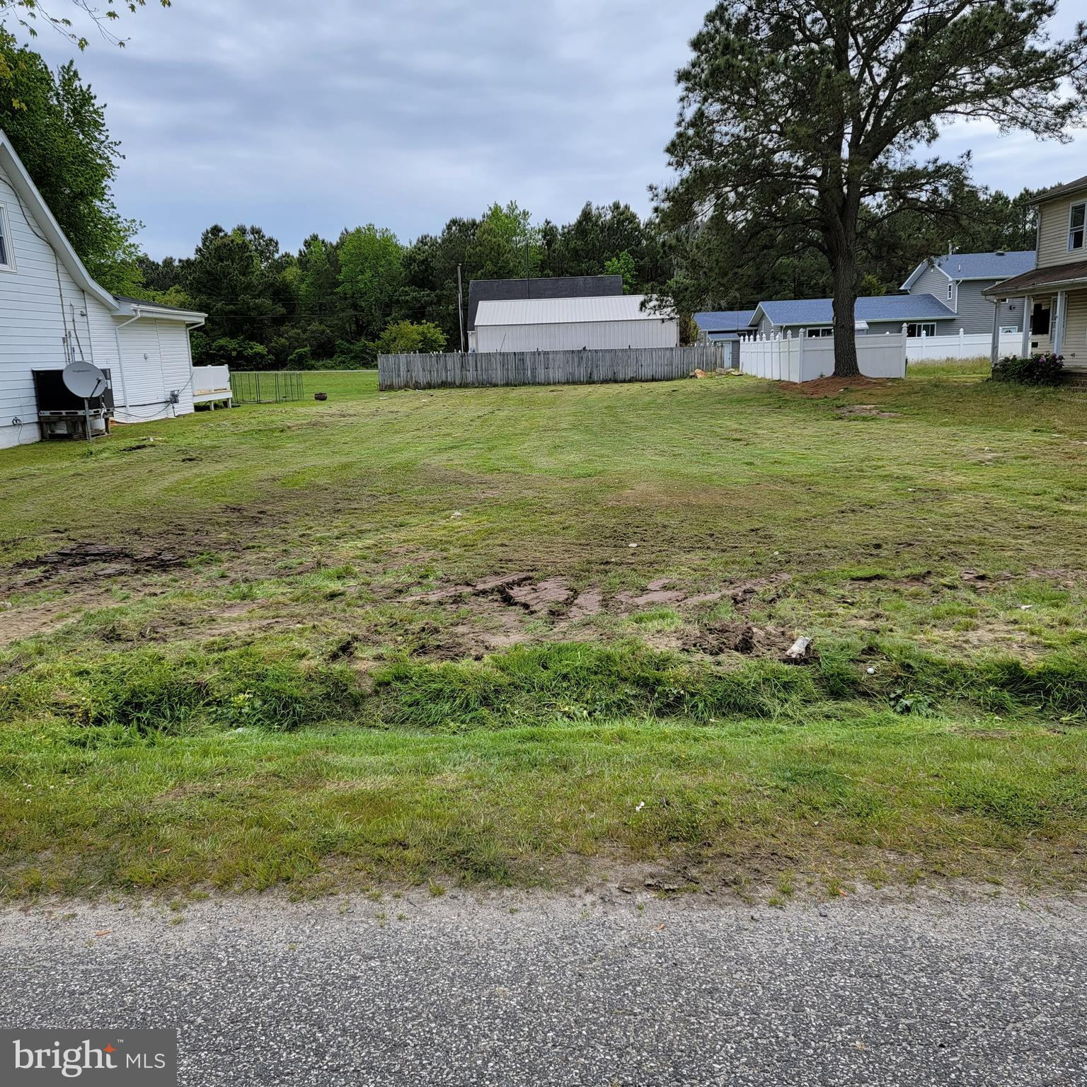 Location, Location, Location! Highly desirable West Ocean City Cape Isle of Wight location. No HOA fees here! Build your dream home! Close to schools, dining, shops, marinas, fishing venues and of course, the beaches. Just shy of 1/4 th acre. Comes with one EDU for public sewer. Lot is cleared. buyer is responsible for the installation of private well. No survey on file but most of these lots in this section are the same rectangular size of 60 ft W X 150 L. No sign on property. Neighbor in back already has a fence installed on rear side. Don't delay! Priced to sell. Make an offer today.