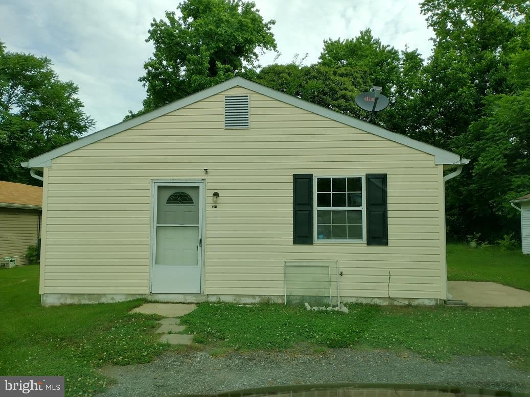 newly renovated home 3 beds 1 full bath and 1/5  just reduced price come and take look. ready to go