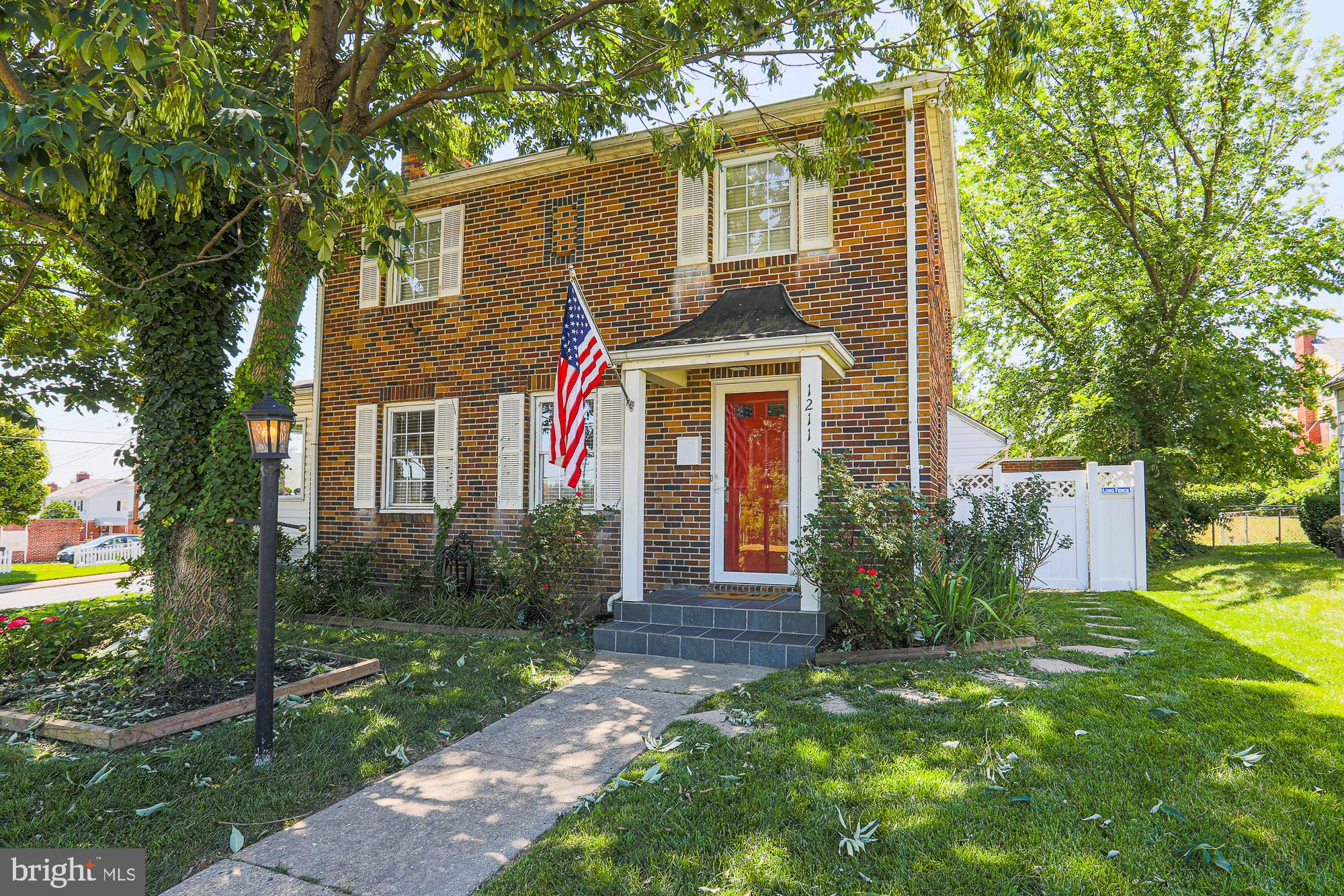 Located in the quiet and established Ednor Gardens neighborhood close to the city center, this 3BR/2.5BA home has everything you need! Sun-filled rooms with beautiful wood floors, updated kitchen with stainless steel appliances, wood-burning fireplace in the living room, large back yard with fenced area for pets and more. You'll love living in this beautiful home with all the modern features you've been dreaming about!