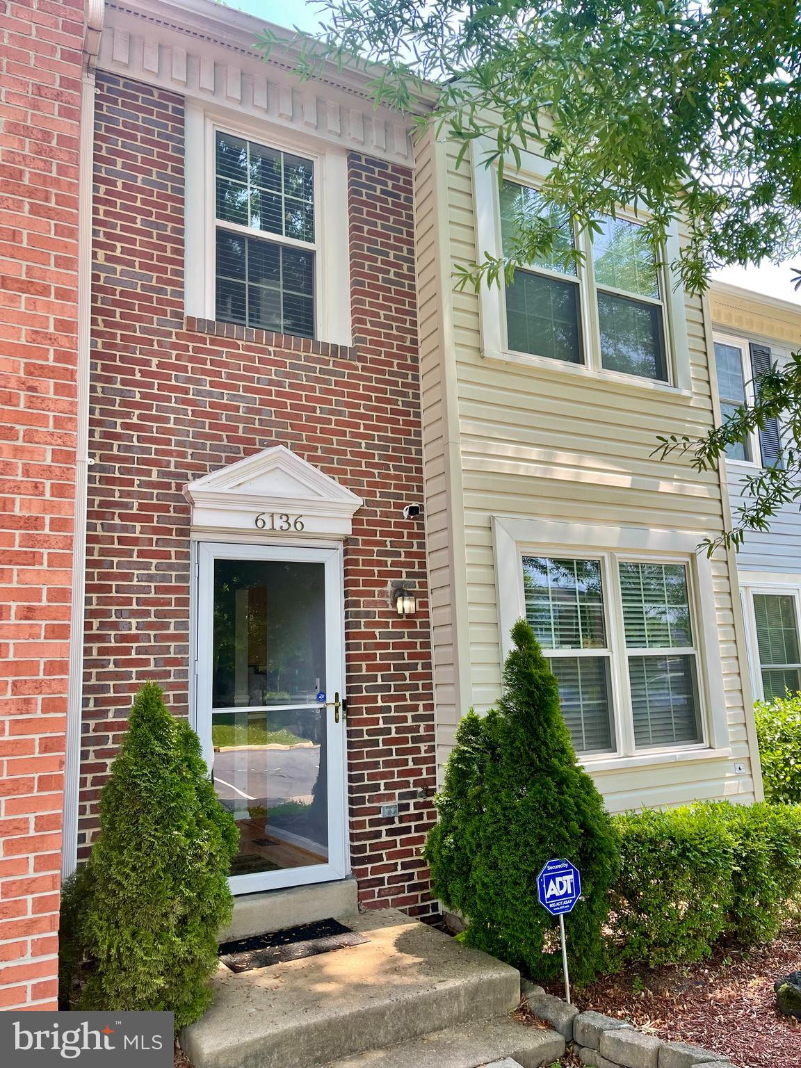 This gorgeous townhome in the highly desirable Trentdale Community is move-in ready & a commuters dr