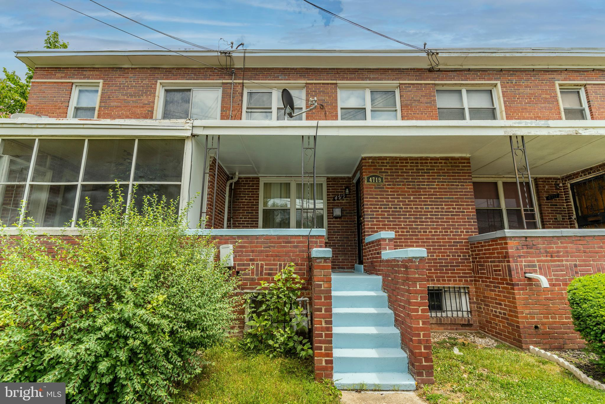 Gorgeous 3BR/2BA traditional brick townhome with fresh updates and endless possibilities in thriving
