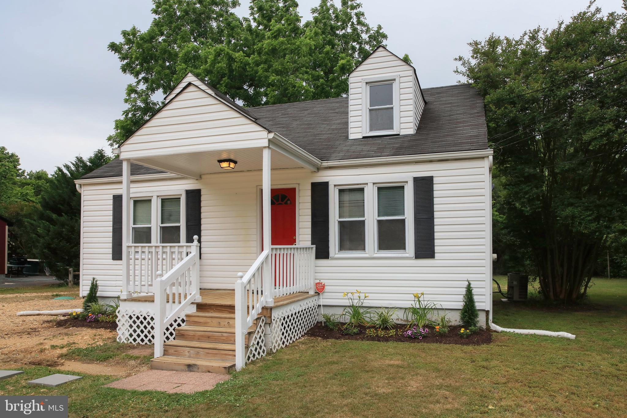 Charming Cape Cod in historic Piscataway!  This 4 bed, 1.5 bath home sits on 0.86 acres and is locat