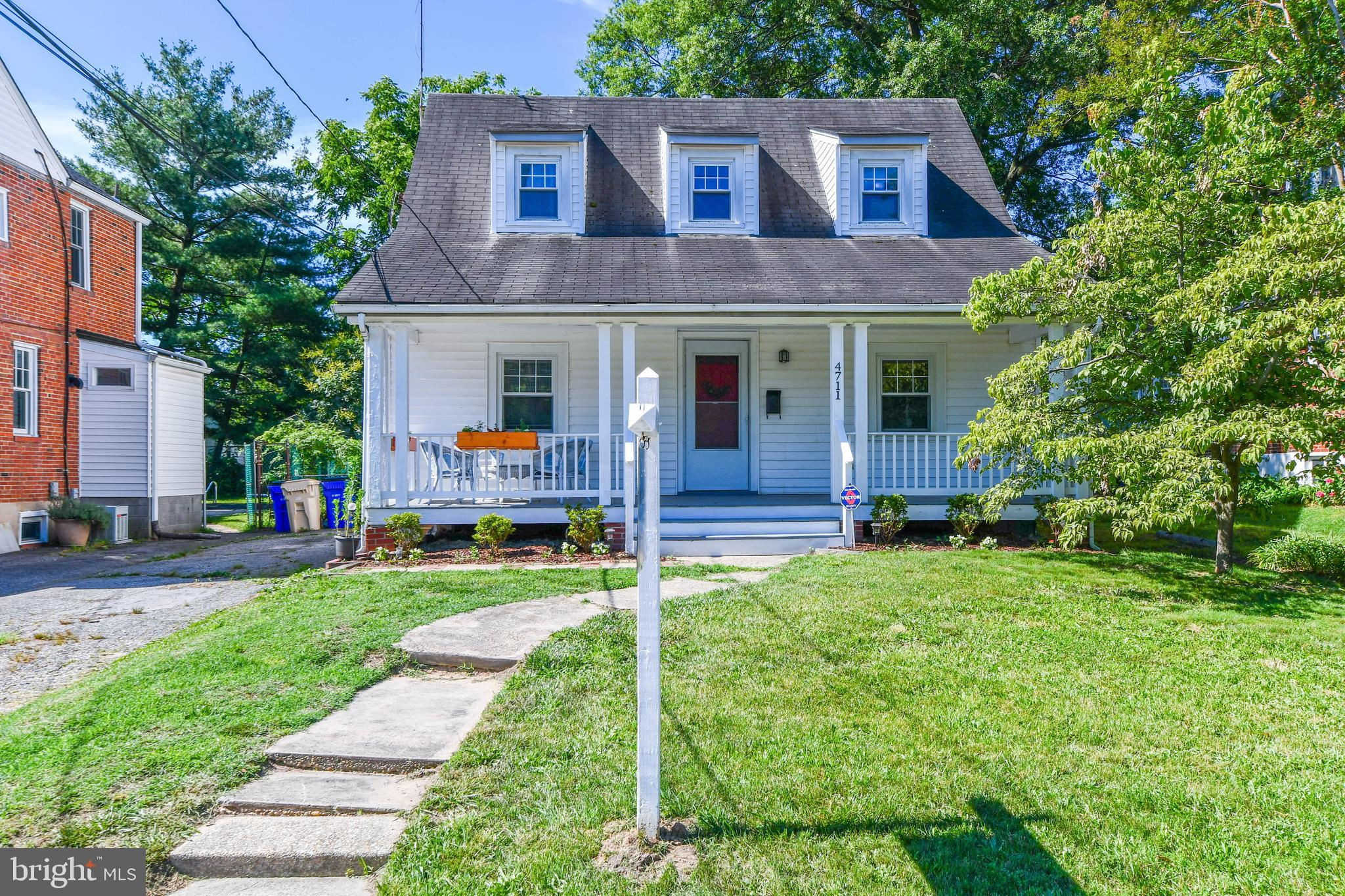 OPEN HOUSE THIS SUNDAY 6/20 FROM 2-4PM.  Welcome to the heart of College Park, Maryland.  This home