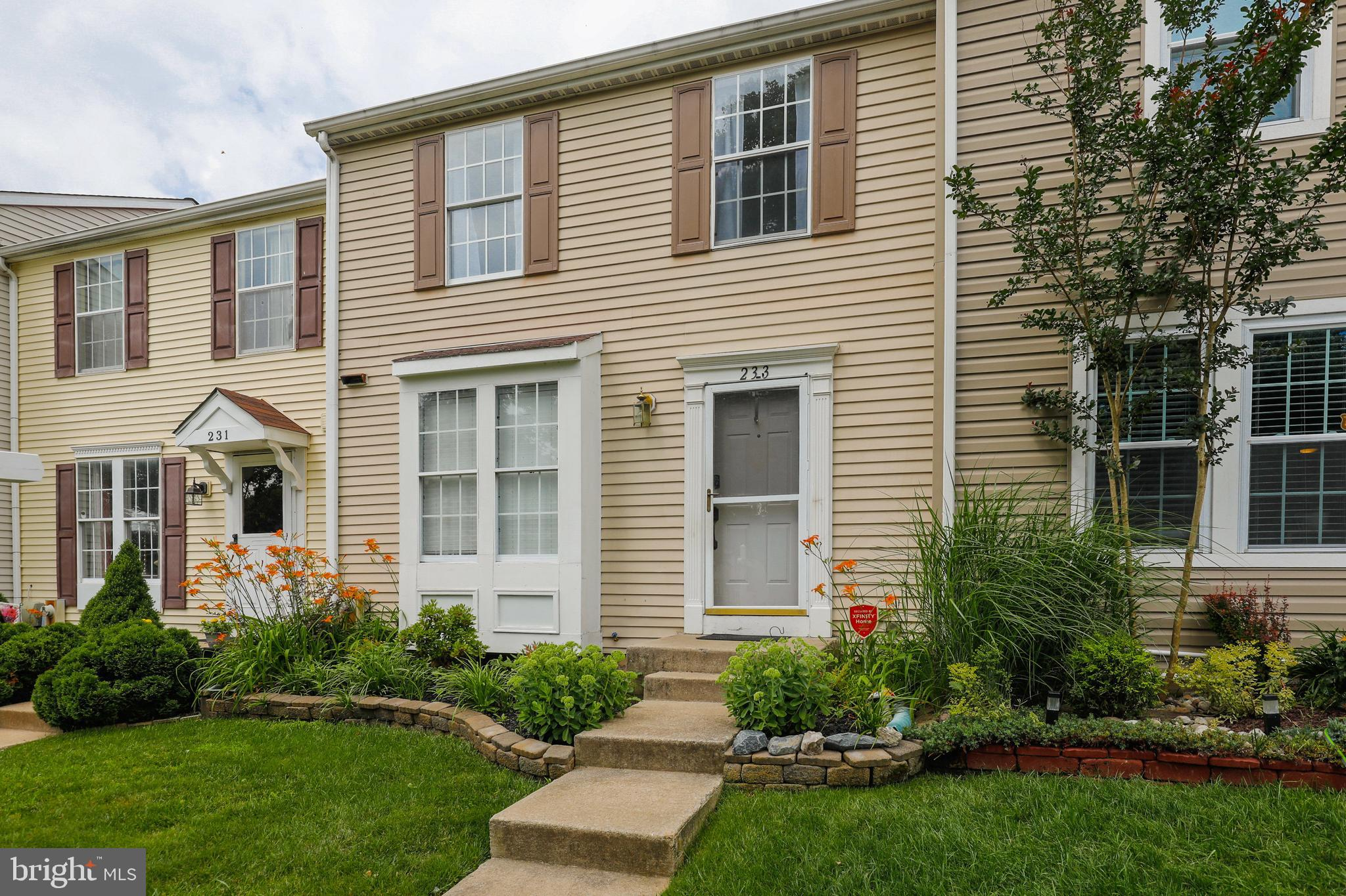 Welcome Home! Move in ready townhouse in the desired community of Constant Friendship. Total Kitchen remodel 2 years ago.   Convenient location to lost of shopping and minutes away from 95.  At this price this home will not last! Call for your appointment today.