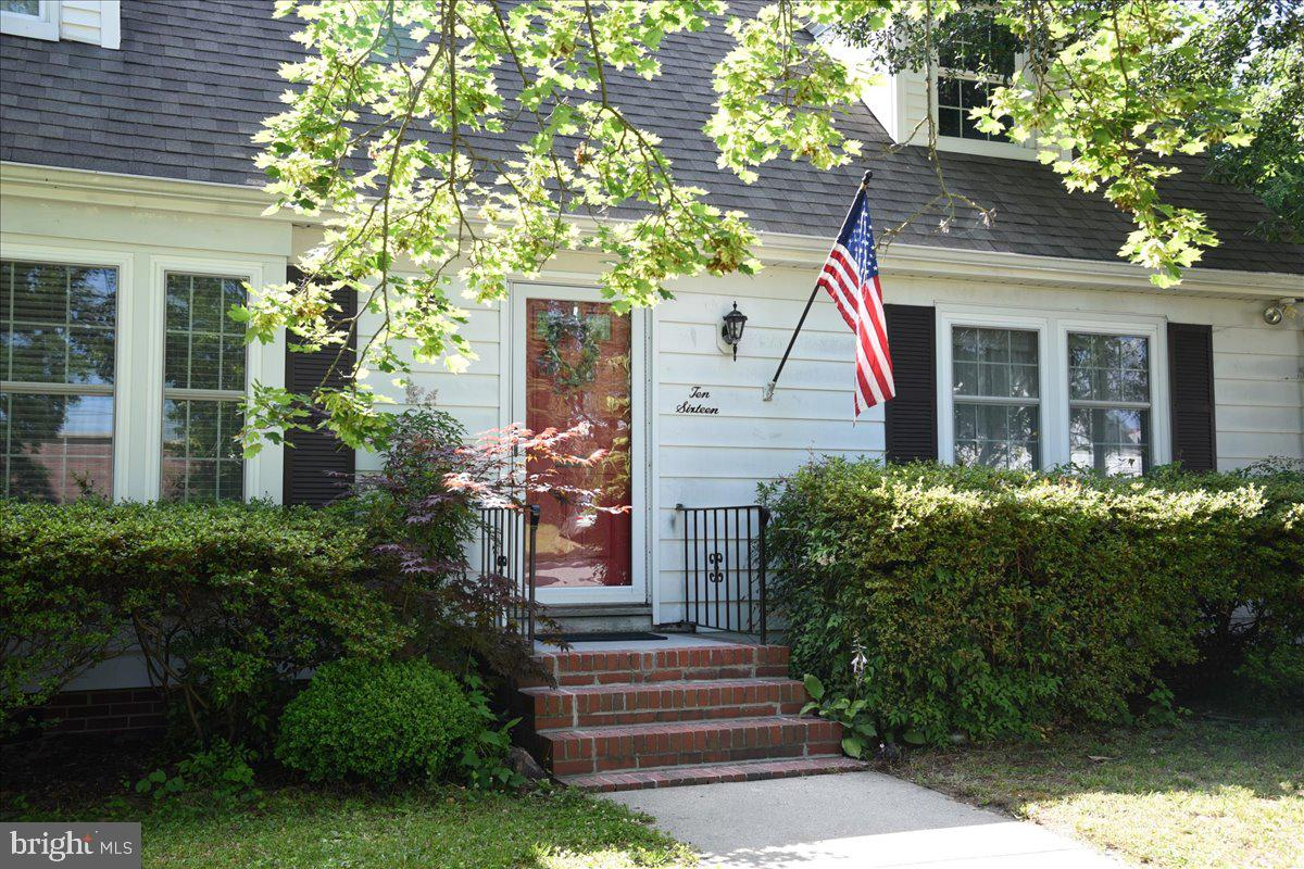 Welcome home!  Make yourself right at home in this 4 bedroom 2 bath classic cape cod situated in a p