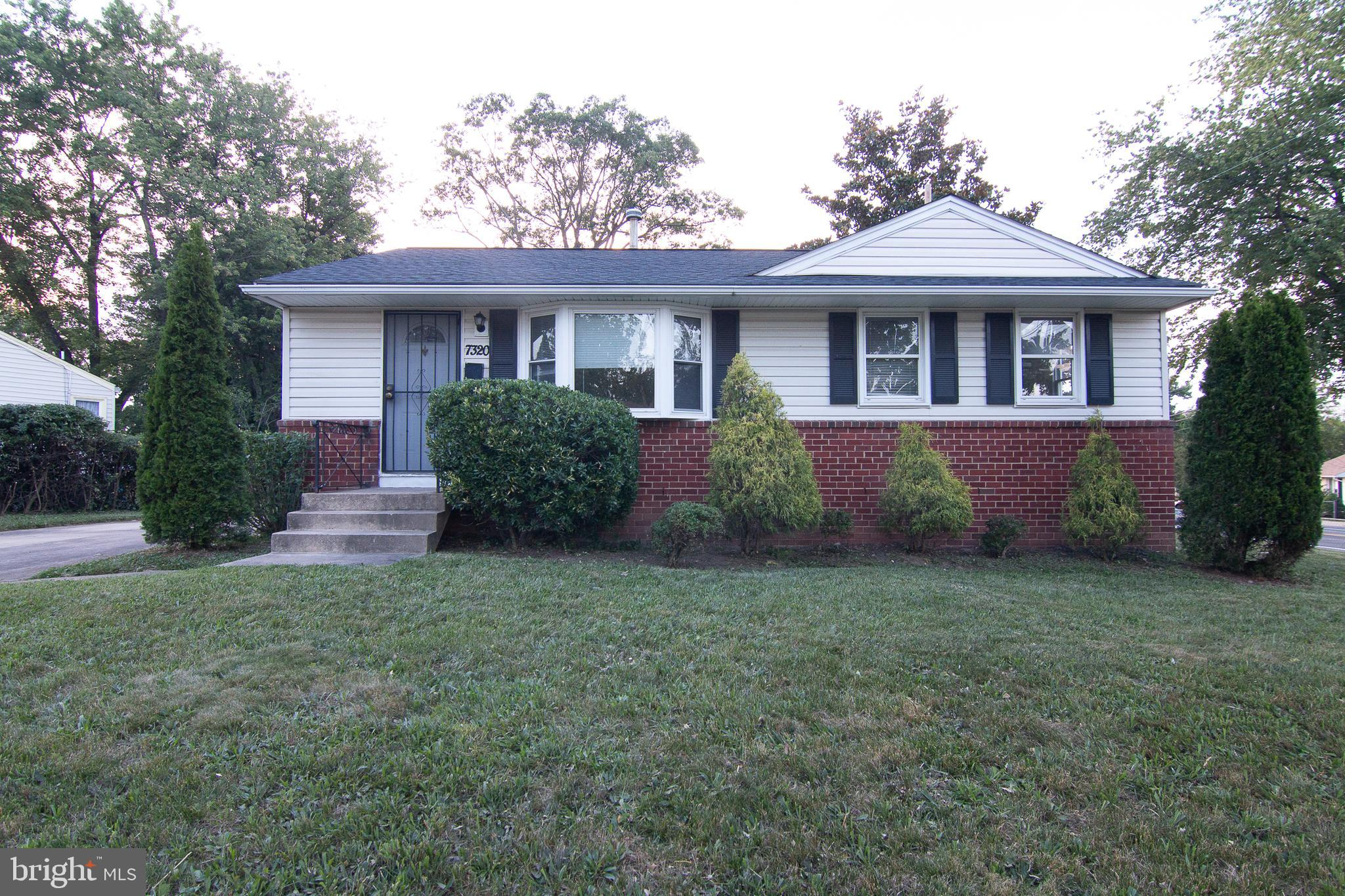 Raised rambler featuring  3 bedrooms and 2 full baths situated on large corner lot. Eat in kitchen w