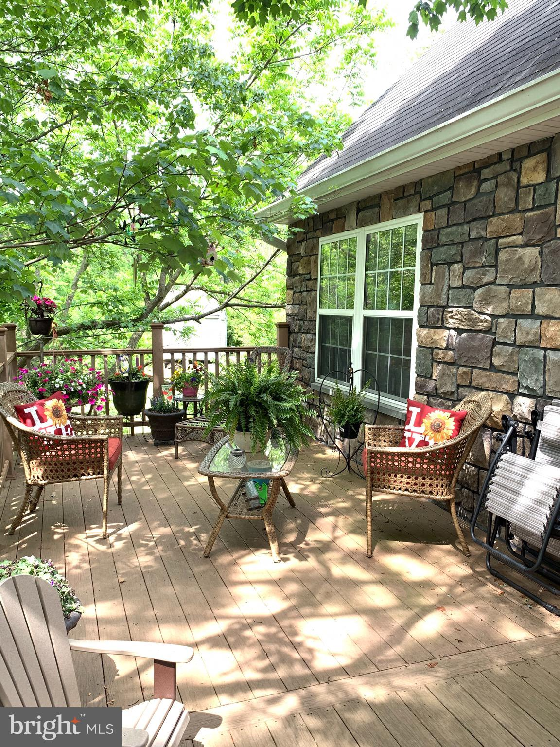 WANT A GREAT HIDEAWAY?  USDA Financing Approved Area!  Open up the Windows to the Country Breezes!