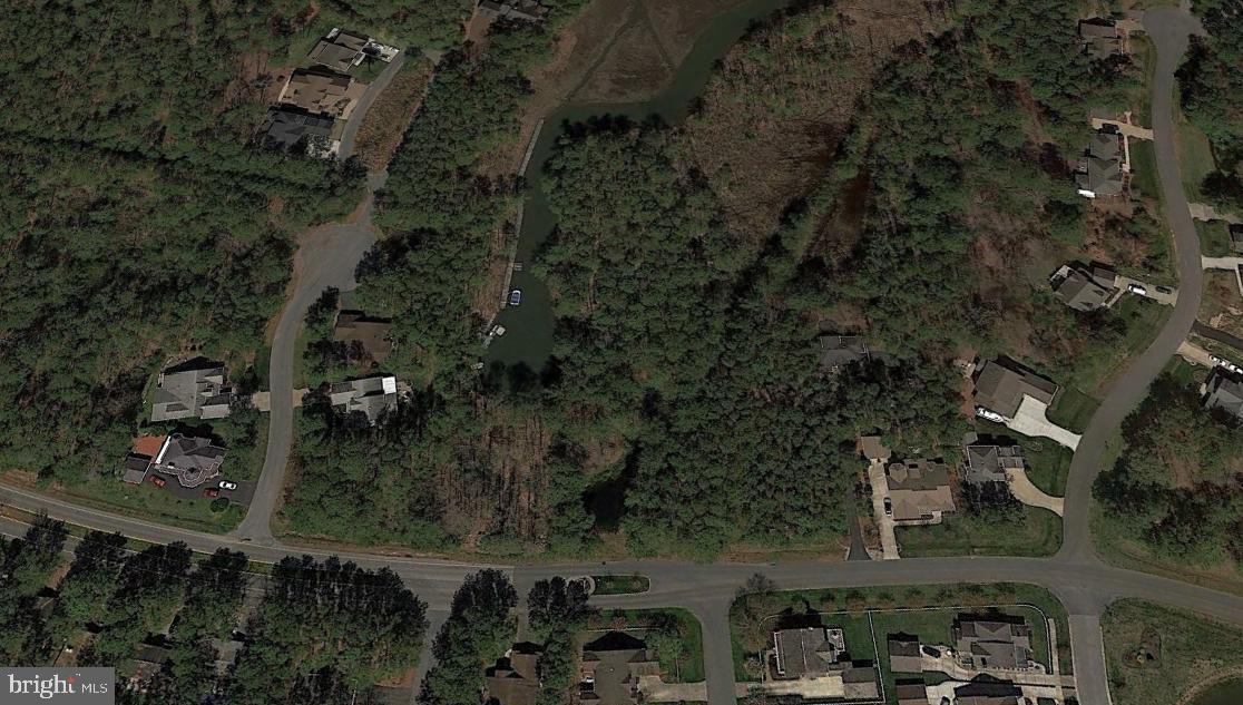 Large Wooded 3/4 Acre Waterfront Lot With Riparian Rights To Build A Dock And Allows One To Construct A Home Of Their Choice. Compare Price To Size Of Lot And You Have A Bargain!